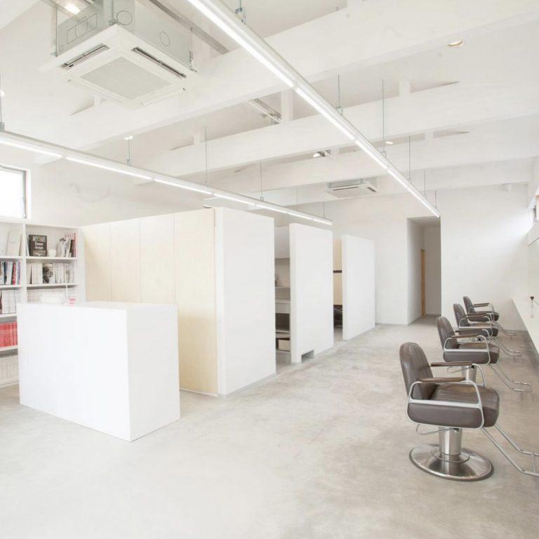 お客様のライフスタイルをヘアデザインで刺激する美容室「WEBB」の画像2