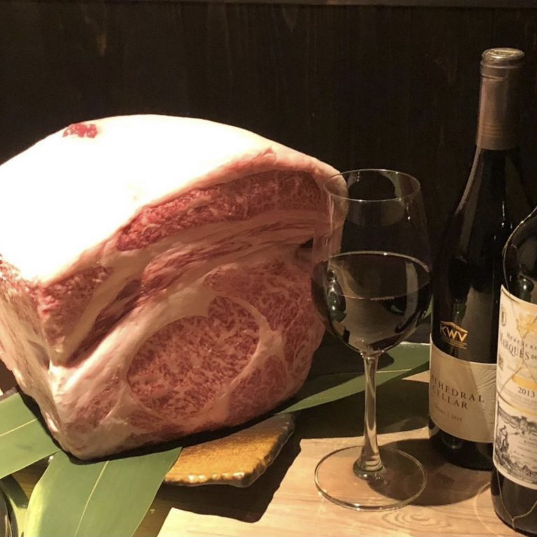 厳選黒毛和牛と50種類以上のワインを楽しめる完全個室焼肉店「NIKU蔵 YAKINIKU&WINE」