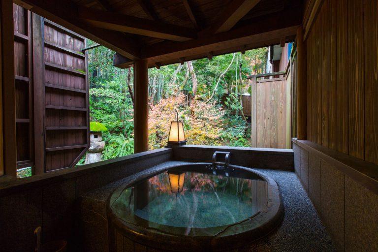 暑い夏こそ温泉に! 新潟県「総合満足度が高い温泉地」第1位は阿賀野市「五頭温泉郷」
